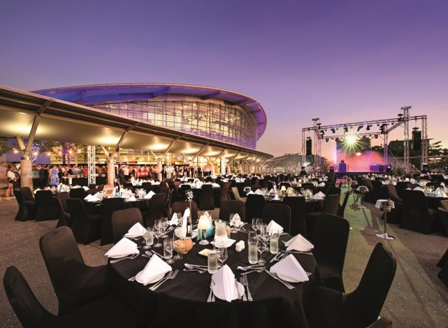 outdoor-gala-dinner-at-darwin-convention-centre
