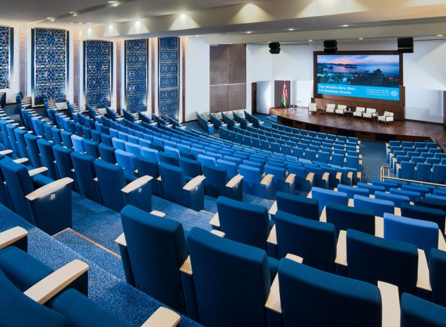 oman-convention-and-exhibition-centre-auditorium-01_lr