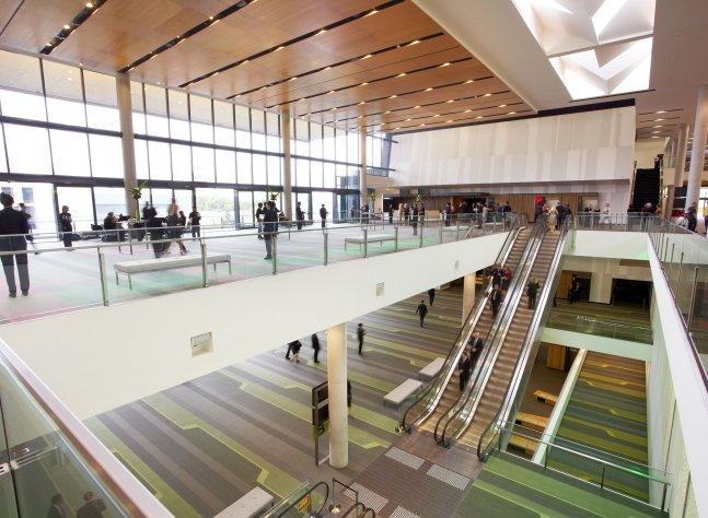 plaza-auditorium-foyer-and-atrium-1_lr